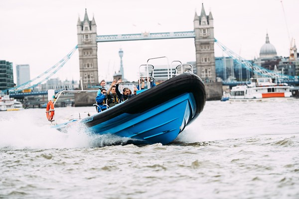 Jet Speedboat Experience For Two On The Thames