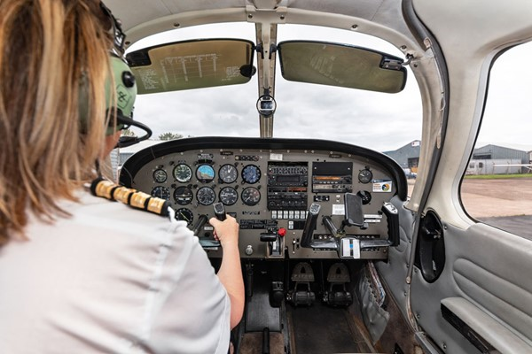 60 Minute Extended Flying Lesson - Uk Wide