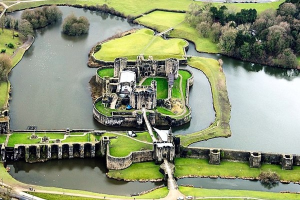 50 Mile Helicopter Tour Of Cardiff Castles And Coast