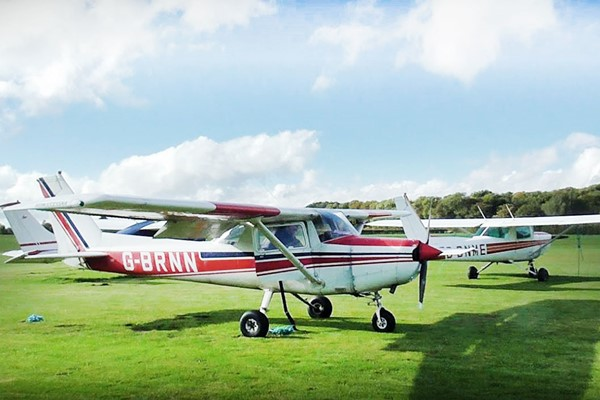 60 Minute Introductory Flying Lesson For One With Sheffield Aero Club