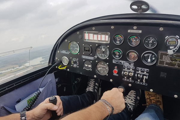 30 Minute Flying Lesson In The West Midlands