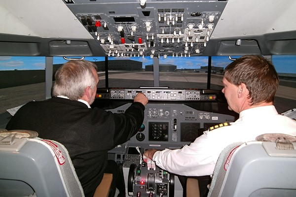 One Hour Boeing 737 Simulator Flight for One in Bedfordshire