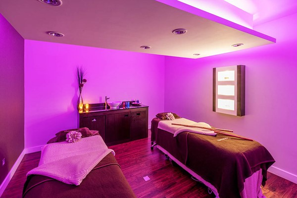 Buy Deluxe Spa Day with Treatment and Afternoon Tea at Bannatyne Bury St Edmunds