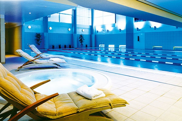 Spa Day With 55 Minute Treatment And Afternoon Tea Or Lunch At Rowhill Grange Utopia Spa For One