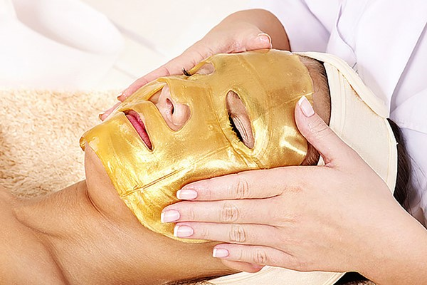 Champneys City Spas Collagen Gold Facial For One