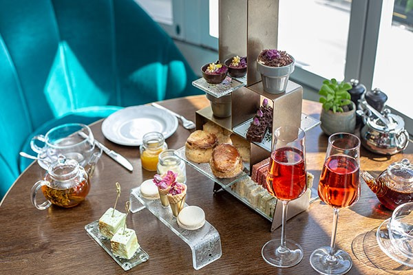 Botanical Afternoon Tea For Two At 5* London Marriott Hotel Park Lane