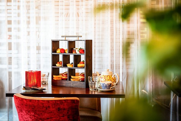 Sparkling Afternoon Tea For Two At London Radisson Blu Edwardian Hotels