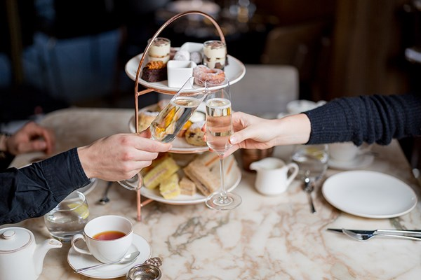 Charbonnel Et Walker Chocolate Afternoon Tea With Prosecco At The May Fair Hotel