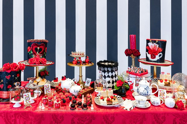 Alices Queen Of Hearts Afternoon Tea For Two At 5* Taj 51 Hotel