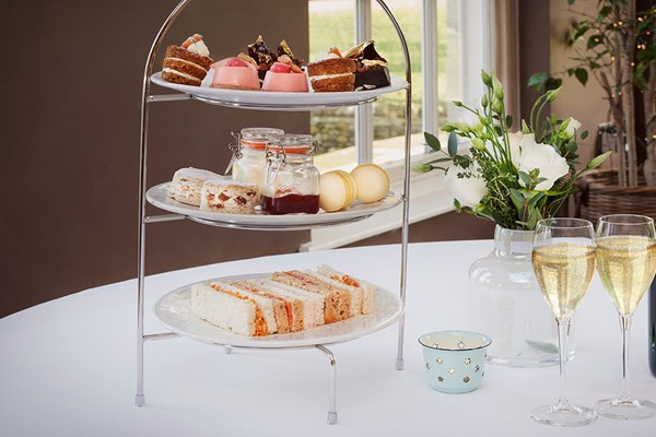 Afternoon Tea With Bubbles For Two At 5* Yorebridge House
