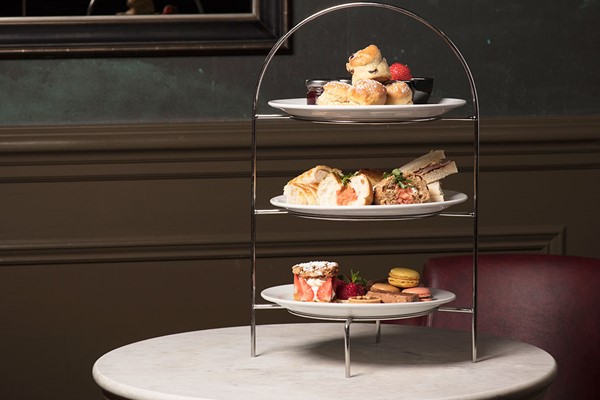 Afternoon Tea With Bubbles For Two At Crowne Plaza Edinburgh - Royal Terrace