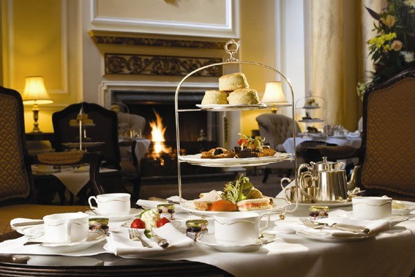 Buckingham Palace State Rooms And Royal Mews With Meal For Two At Hilton Park Lane