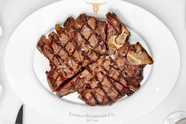 24oz Porterhouse Steak To Share With Unlimited Chips And A Cocktail For Two At London Steakhouse Co