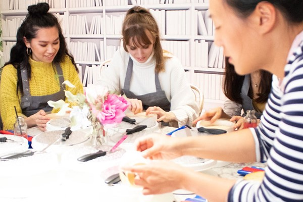 Cake Decorating Masterclass And A Glass Of Prosecco For One At Cutter And Squidge