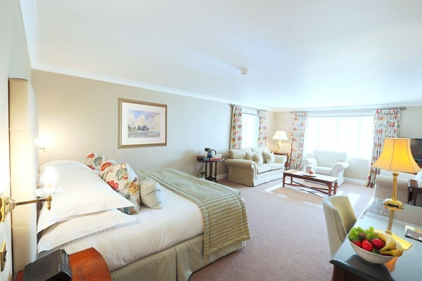 One Night Hotel Break And Breakfast For Two At Aubrey Park Hotel