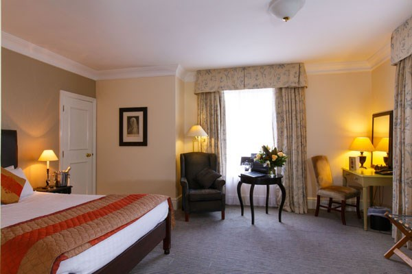 One Night Luxury Stay At Brook Kingston Lodge Hotel