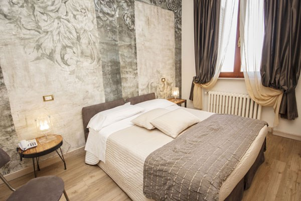 Two Night Stay In A Compact Double Room At The Ellesmere Hotel