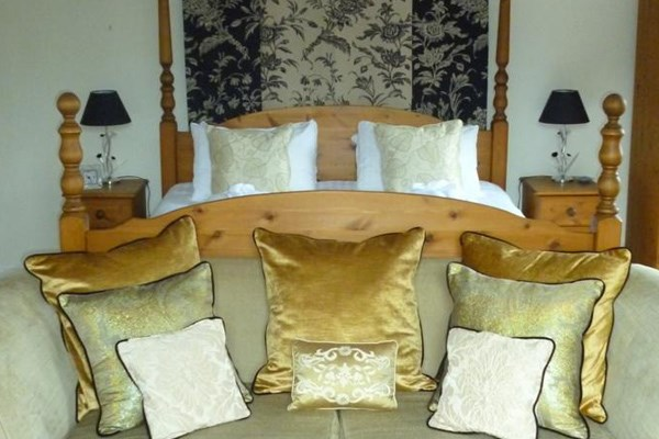 Two Night Luxury Getaway For Two At Woughton House Mgallery By Sofitel