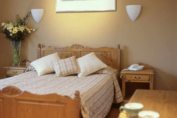 One Night Stay With Dinner At The Whoop Hall Inn For Two