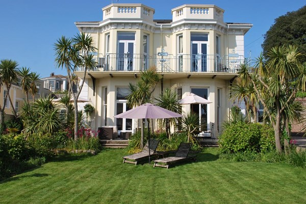 Two Night Break At The Thames Riviera Hotel