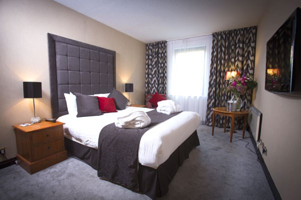 One Night Romantic Getaway For Two At Cedar Court Hotel Bradford