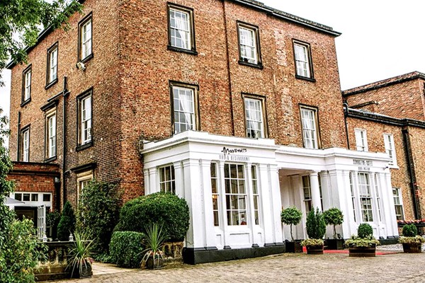 Buy Overnight Spa Break with 40 Minute Treatment and Dinner at Bannatyne Darlington