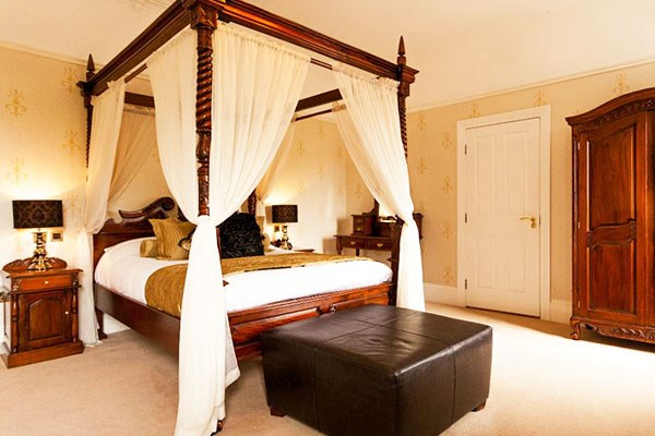 Two Night Stay At The Sutcliffe Hotel With Dinner For Two