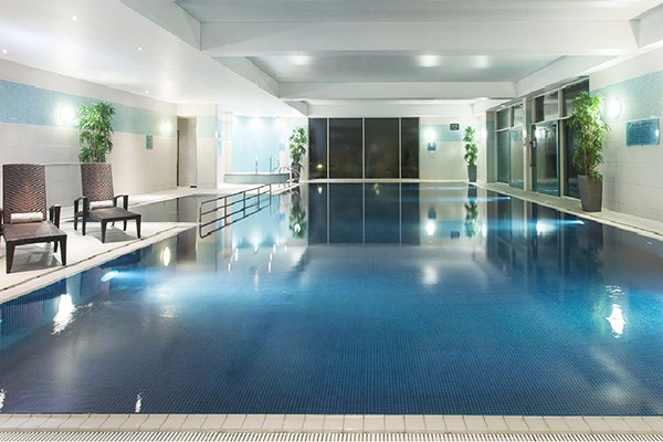 Two Night Spa Break With 25 Minute Treatment And Dinner For Two At Crowne Plaza Marlow