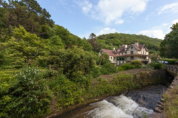 Overnight Stay For Two With Breakfast And Dinner At The Hunters Inn  North Devon