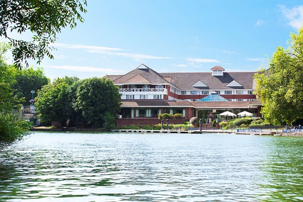 Blissful Spa Day With Treatment For Two At Crowne Plaza Reading