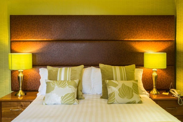 One Night Break at Hunday Manor Hotel