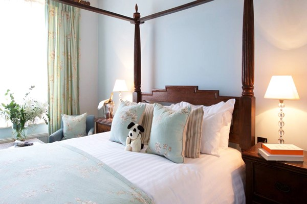 Two Night Stay In A Double Room At The Cliff Top Inn