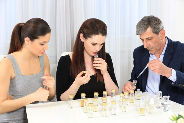 A Day With A Perfumer And A Three Course Lunch For One