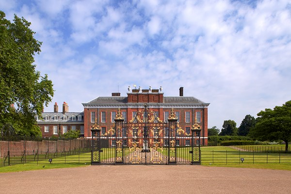 Family Entry To Kensington Palace