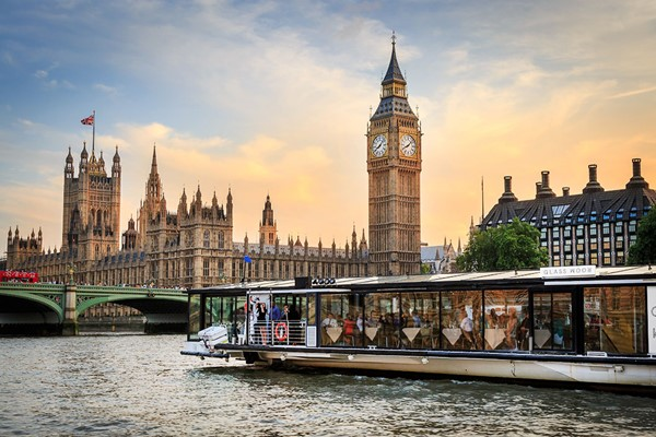Bateaux London River Thames 5 Course Dinner Cruise With A Bottle Of Wine For Two