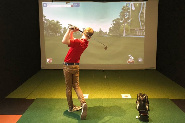 One Hour Indoor Golf Lesson For Two At St Andrews Indoor Golf Centre