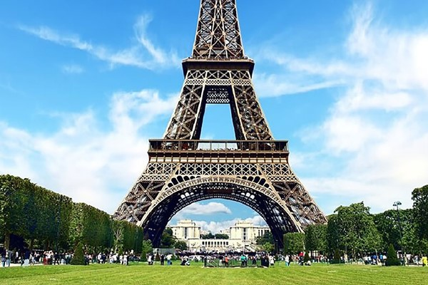 Guided Day Tour Of Paris And Lunch At The Eiffel Tower For Two