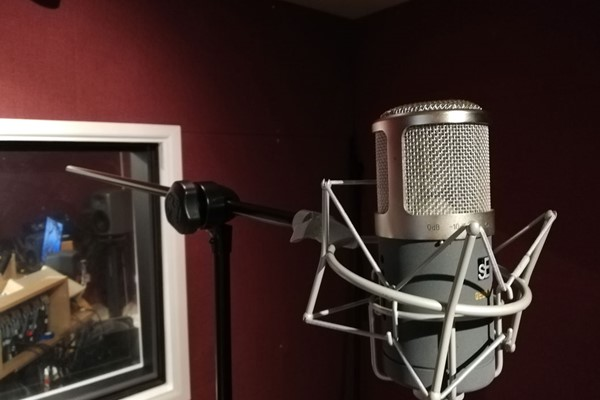 Professional Voice Recording of Two Songs for Two Adults and Two Children at Midi Madness