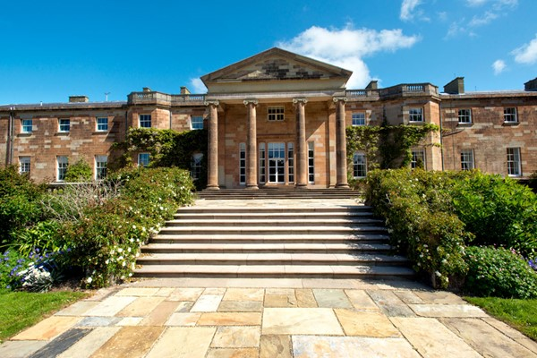 Hillsborough Castle And Gardens Tour For Two Adults And Three Children