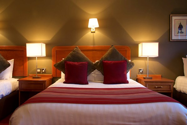 One Night Romantic Break With Champagne And Chocolates At Chimney House Hotel