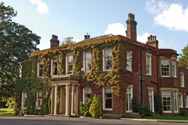 Two Night Break With Dinner At The Queensgate Hotel For Two