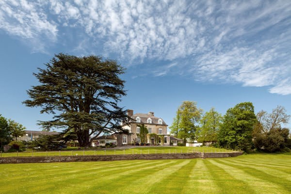 Overnight Spa Break For Two With Dinner At The Three Horseshoes Country Inn