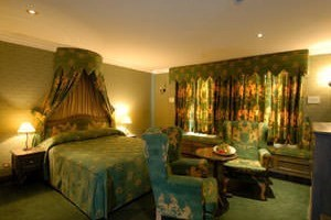 Two Night Escape For Two With Breakfast At Maison Colosseo In Rome Duplicate